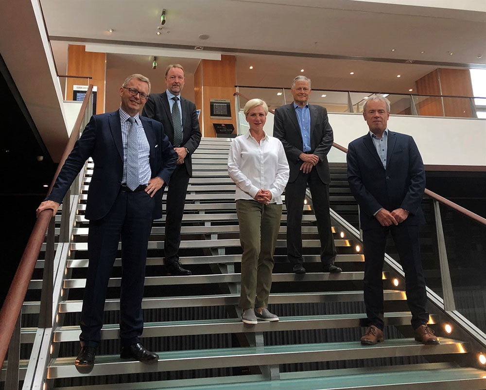 From left to right: Michel van Roozendaal, President, MacGregor; Leif Byström, Head of Offshore Solutions, MacGregor; Kristina Arutjunova, Director - Sales and Marketing Innovations, Offshore Solutions, MacGregor; Tom Jebsen, Chief Financial Officer, OHT and Torgeir E. Ramstad, Chief Executive Officer, OHT