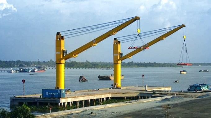 Port cranes - MacGregor com